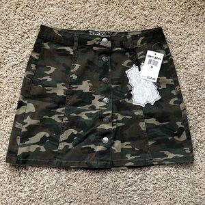 NWT Camo Skirt